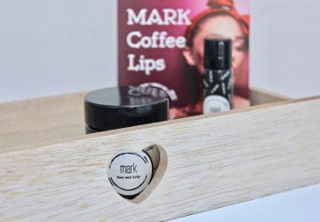 mark coffee lips